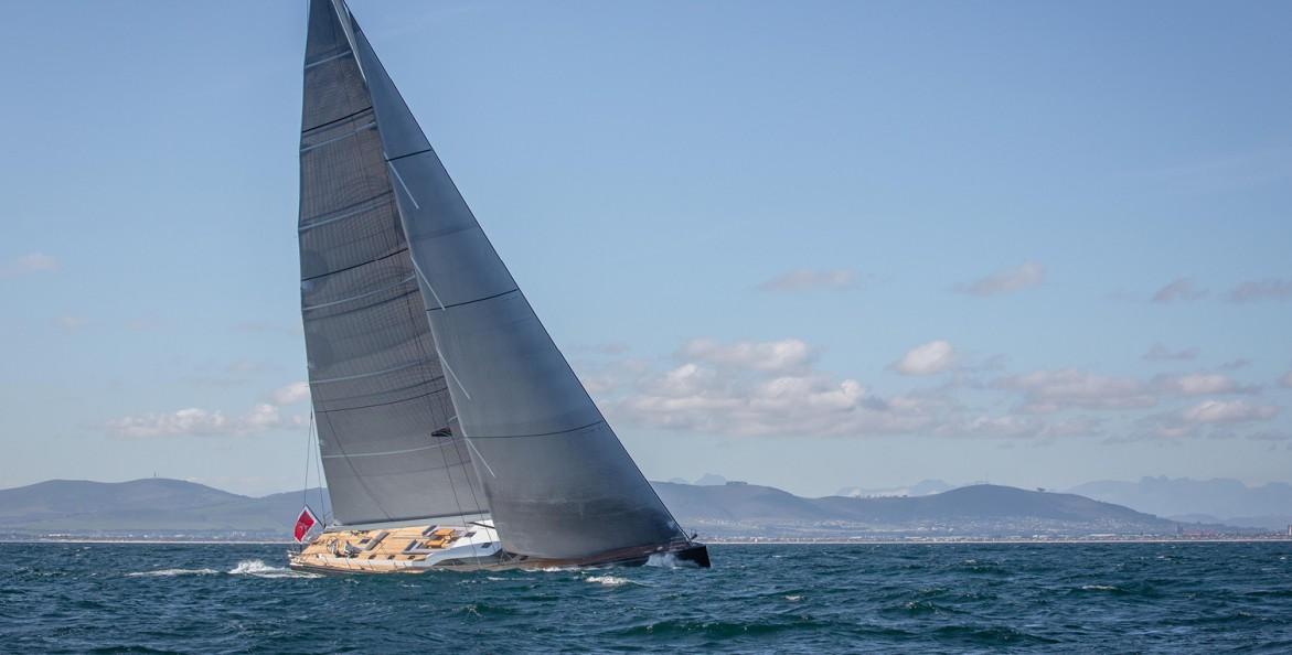 Ullman Sails : Southern Wind Shipyard