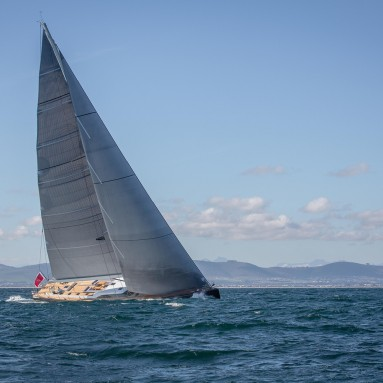 Super Yacht 'Seawave', a Southern Wind 102, featuring Ullman Sails Super Yacht Series sails. 'Seawave' shown here sailing in front of Table Mountain in Cape Town, South Africa. Images courtesy of Southern Wind Shipyard, Photography of Rob Kamhoot