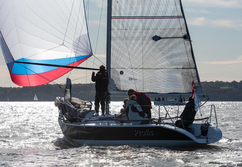 quarter-ton-boat-ullman-sails