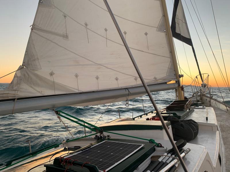 zukini-crew-boat