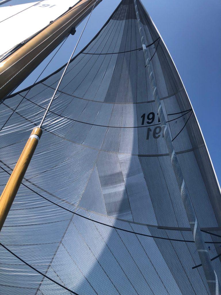 sailing-free-flying