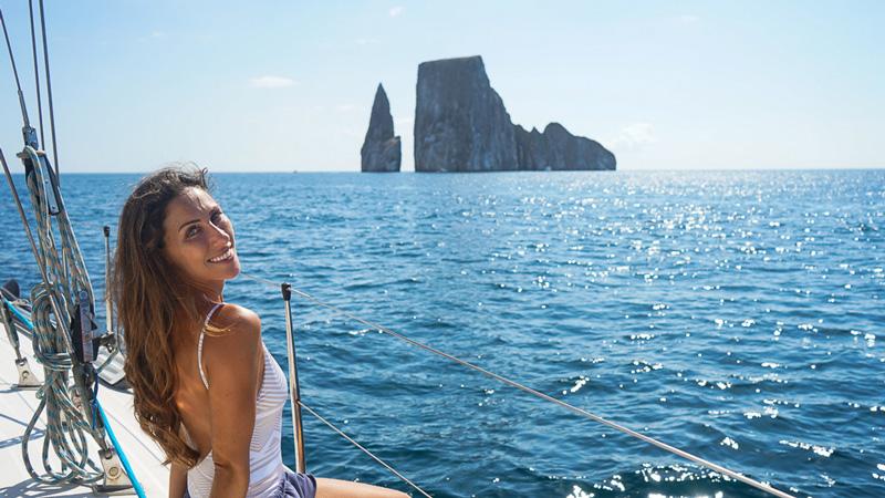 women-sailing