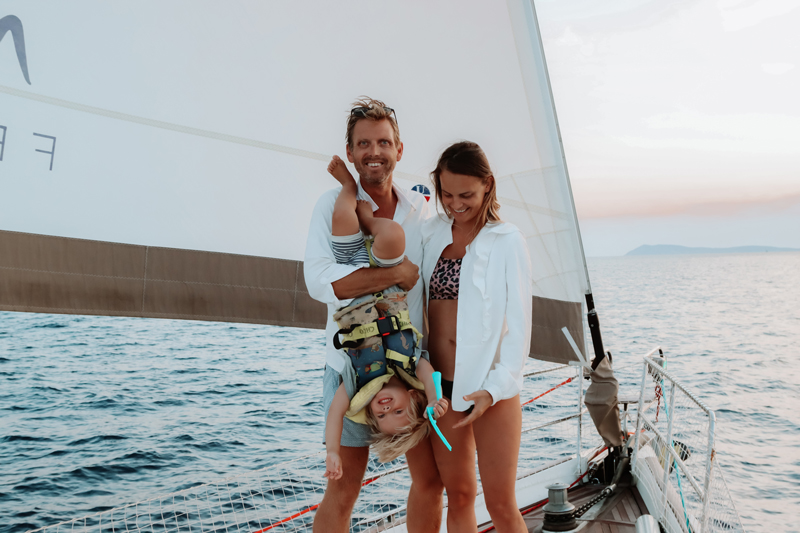 feel-the-breeze-sailing-family