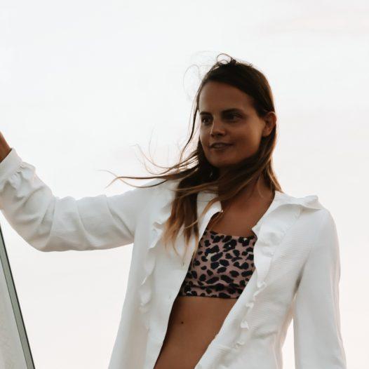 feel-the-breeze-women-sail